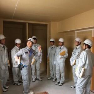 「島根県立松江工業高等学校 建築都市工学科で学ぶ38名の高校生」を招いて作業所見学会が開催されました。イメージ